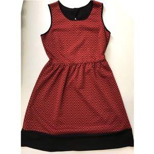 Le Lis Red Black Chevron Print Midi Flowing Dress